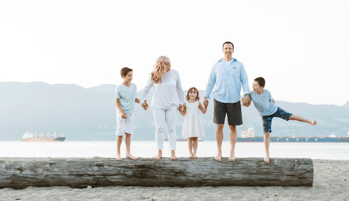 family photos on the beach in Vancouver