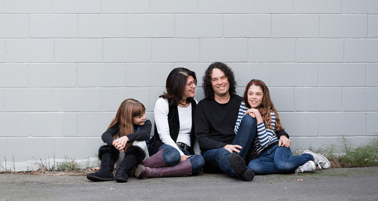using family photographs to strengthen the parent-child bond
